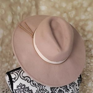 Accessories - Fedora hat